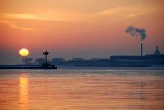 De zonsopgang van de winter op Meer Michigan Royalty-vrije Stock Fotografie