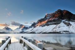 De zonsopgang van het Meer van de boog, Nationaal Park Banff Royalty-vrije Stock Afbeeldingen