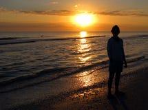 De zonsopgang van het strand stock foto's