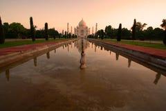 De zonsopgang van Mahal van Taj Stock Afbeeldingen