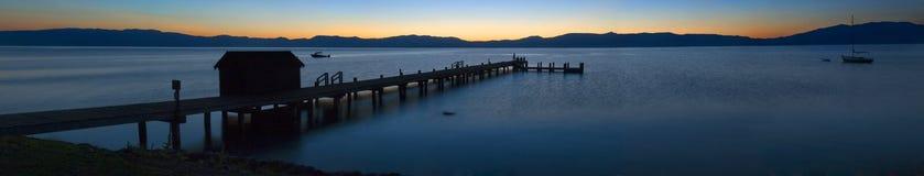 De Zonsopgang van Tahoe van het meer Stock Foto's