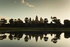 De zonsopgang van Wat van Angkor Stock Afbeeldingen