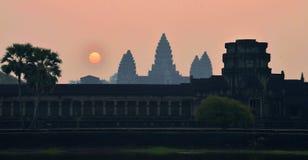De zonsopgang van Wat van Angkor royalty-vrije stock fotografie