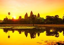 De zonsopgang van Wat van Angkor in Siem oogst Kambodja kambodja Royalty-vrije Stock Foto's