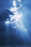 De zonzonnestraal van de hemel royalty-vrije stock afbeeldingen