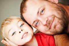 De zoon van de vader en van de peuter Royalty-vrije Stock Foto's