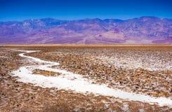 De zoute bergen van het badwaterbassin panamint van Dante ` s bekijken het nationale park Californië van de Doodsvallei Royalty-vrije Stock Foto's