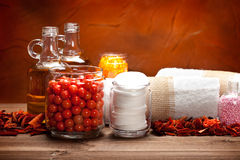 De zoute en essentiële oliën van het bad Stock Afbeelding