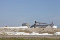 De zoute extractieindustrie in Saskatchewan, Canada stock afbeelding