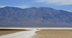 De zoute vlakten in Badwater, de Vallei van de Dood, CA royalty-vrije stock foto's