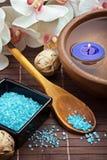 De zouten en de kaarsen van het kuuroord royalty-vrije stock afbeelding