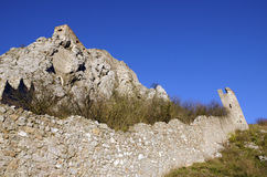 De zuidelijke rots en van het oosten muur van Devin-kasteel Stock Foto