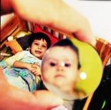 De zuster van de broer en van de baby Stock Afbeelding