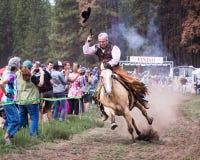 2014 de zusters jagen de Race van de Bergfiets op de vlucht Royalty-vrije Stock Foto's