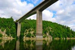 De Zvikov-brug, Tsjechische Republiek, Juli royalty-vrije stock foto