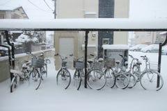 De zwaarste sneeuw in decennia op Tokyo en ander gebied van Japan Stock Foto