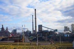 De zware staalindustrie bij staalfabriek Royalty-vrije Stock Fotografie