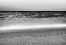 De zwart-witte achtergrond van het golvenlandschap Royalty-vrije Stock Afbeelding
