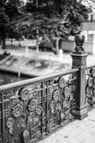 De zwart-witte Klassieke portiek van de kanaalbrug in Bangkok, Thailand stock foto's