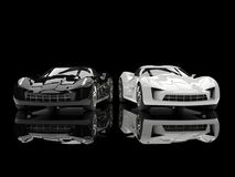 De zwart-witte super auto's van het sportenconcept - weerspiegelende grond vector illustratie