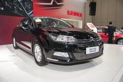 De zwarte auto van dongfengcitroën c5 Royalty-vrije Stock Foto's