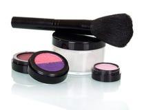 De zwarte borstel voor samenstelling, schaduwen, lipgloss, bloost en roomt kruik af Stock Foto