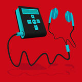 De zwarte en blauwe MP3 speler wordt aangesloten aan de oortelefoon Stock Foto