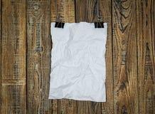 De zwarte klem en het Witboek hangen stock illustratie