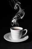 De zwarte koffie van de kop, stoom royalty-vrije stock afbeelding