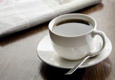 De zwarte koffie van de ochtend stock foto