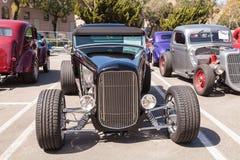 De zwarte Open tweepersoonsauto van Ford B van 1932 Stock Foto's
