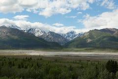 De zwarte Vallei van de Stroomversnellingrivier uit Delta, Verbinding, Alaska royalty-vrije stock foto's