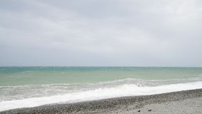 De Zwarte Zee tijdens het onweer stock videobeelden