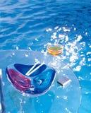 De zwembad en glaslijst royalty-vrije stock foto