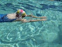 De zwemmer van de schoolslag Royalty-vrije Stock Foto's