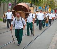 De Zwitserse Nationale parade van de Dag in Zürich Stock Foto's
