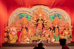 Dea Durga Idol, Durga Puja Pandal, Calcutta, il Bengala Occidentale, India fotografia stock libera da diritti