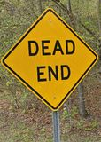 Dead end sign on highway frontage road Royalty Free Stock Images