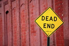 Dead end Yellow sing Royalty Free Stock Photo