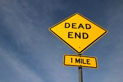 Dead end yellow traffic sign royalty free stock photography