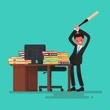 deadline O trabalhador irritado quebra a mesa desarrumada com os originais Imagens de Stock Royalty Free