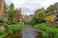 Dean Village langs het rivierwater van Leith in Edinburgh, SCHOTLAND Stock Afbeelding