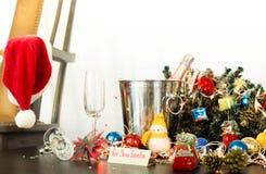 Deaorations de Noël avec du vin de champagne Photo libre de droits