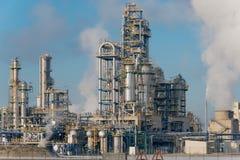 Deatails των καπνίζοντας καπνοδόχων ενός πλαστικού εργοστασίου κατασκευής Στοκ Φωτογραφία