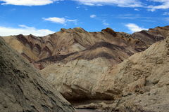 Death Valley guld- kanjon Royaltyfri Bild