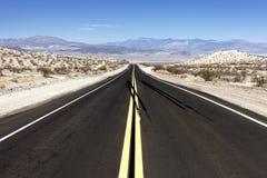 Death Valley huvudväg Arkivbilder