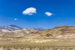 Death valley landscape. Driving SR 190 thru the Death Valley in the small Panamint valley and the  Slate Range von Wildrose, direction aus Ridgecrest, view to Stock Photography