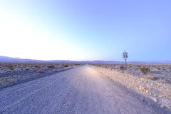 Death Valley nationalpark i nattetid royaltyfri foto
