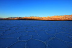 Death Valley - polygones en bassin de Badwater images libres de droits