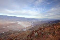 Death Valley soluppgång från Dantes sikt Royaltyfri Foto